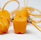 ZĄBEK - ząbki na mleczaki ze sznureczkiem - pomarańczowy